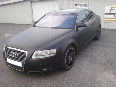 Audi schwarz front
